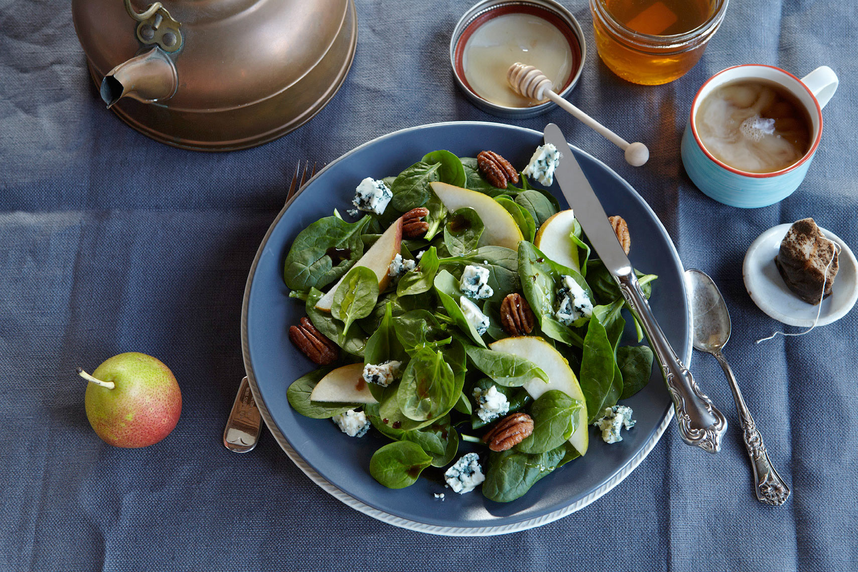 Marx-food-photography-salad-blue-cheese-pears-breakfast-tea